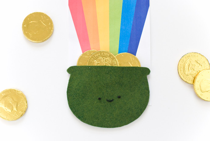 Super Cute Pot of Gold Favors for St. Patrick's Day