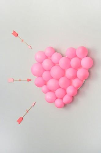 Valentine's Day Carnival: DIY Balloon Pop