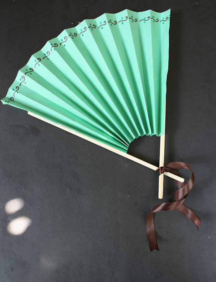 Chinese Paper Fan, tutorial via WikiHow