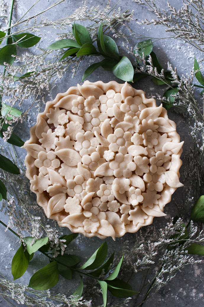 Edible Flower Pie Crust Tutorial