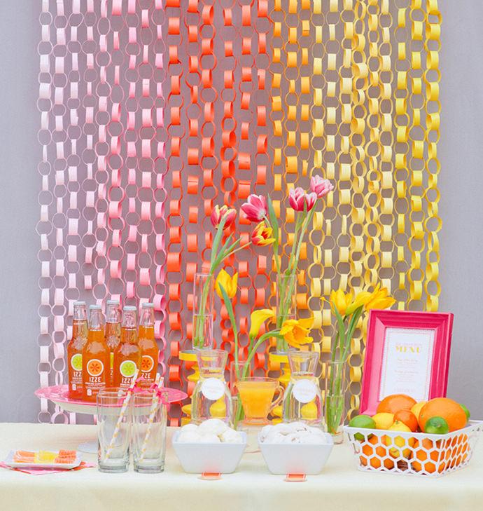 Paper Chain Garlands, image via Floridian Social