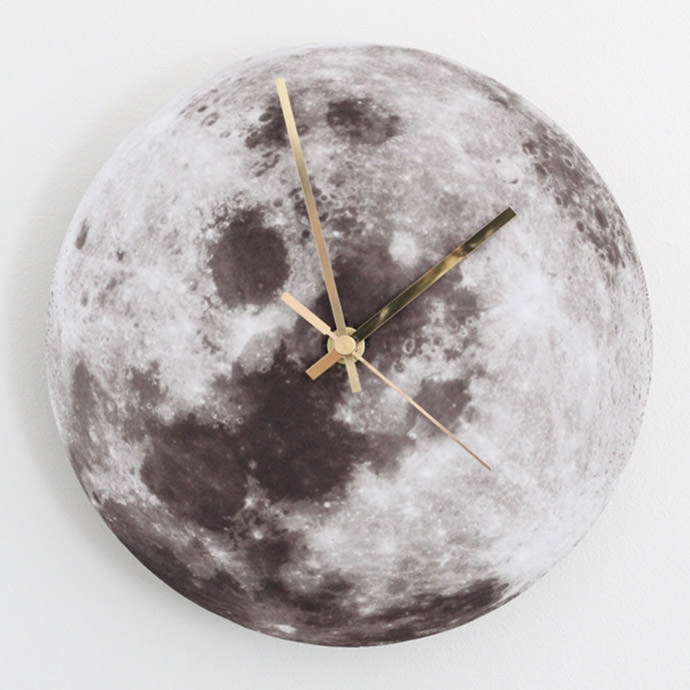 DIY Moon Clock, tutorial via Bambula