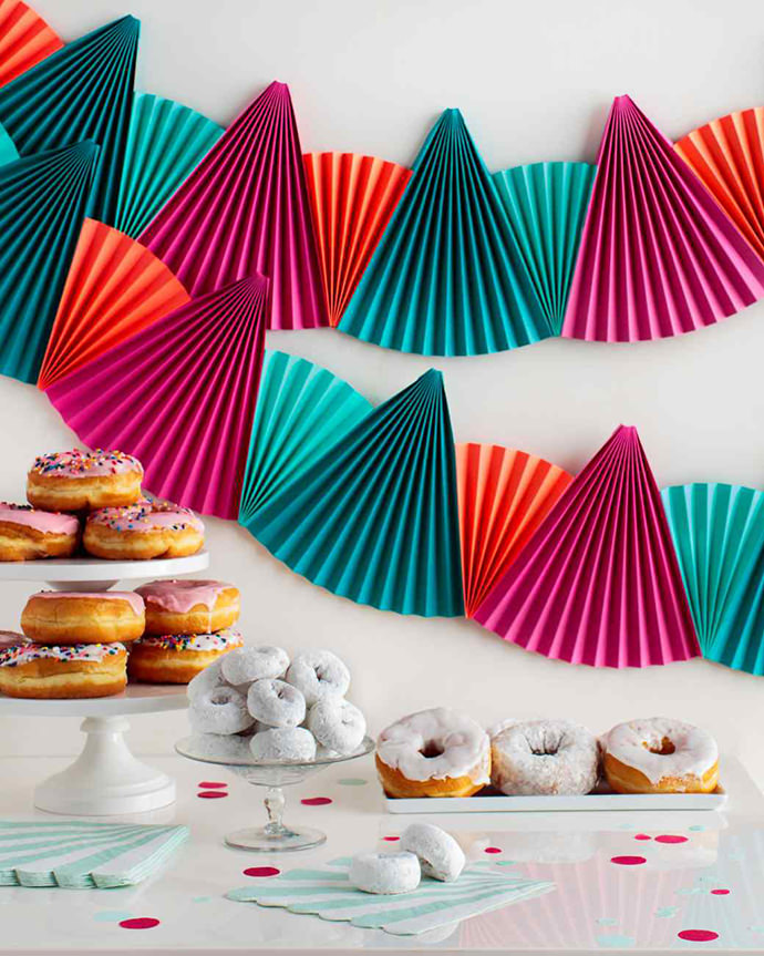 Paper Fan Bunting, tutorial via Martha Stewart Living