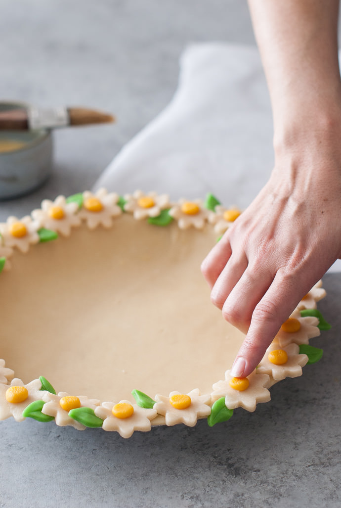 Daisy Chain Pie Crust Tutorial