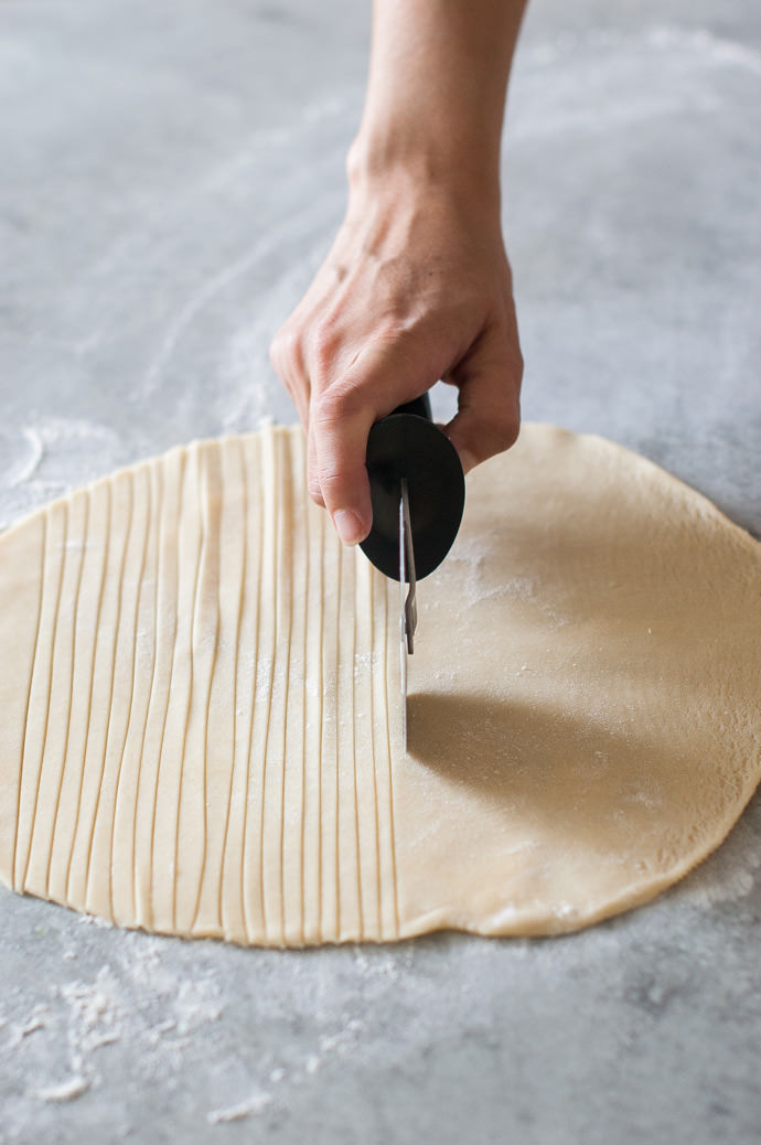 Fishtail Braid Pie Crust Tutorial