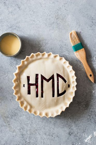 Monogrammed Pie Crust Tutorial