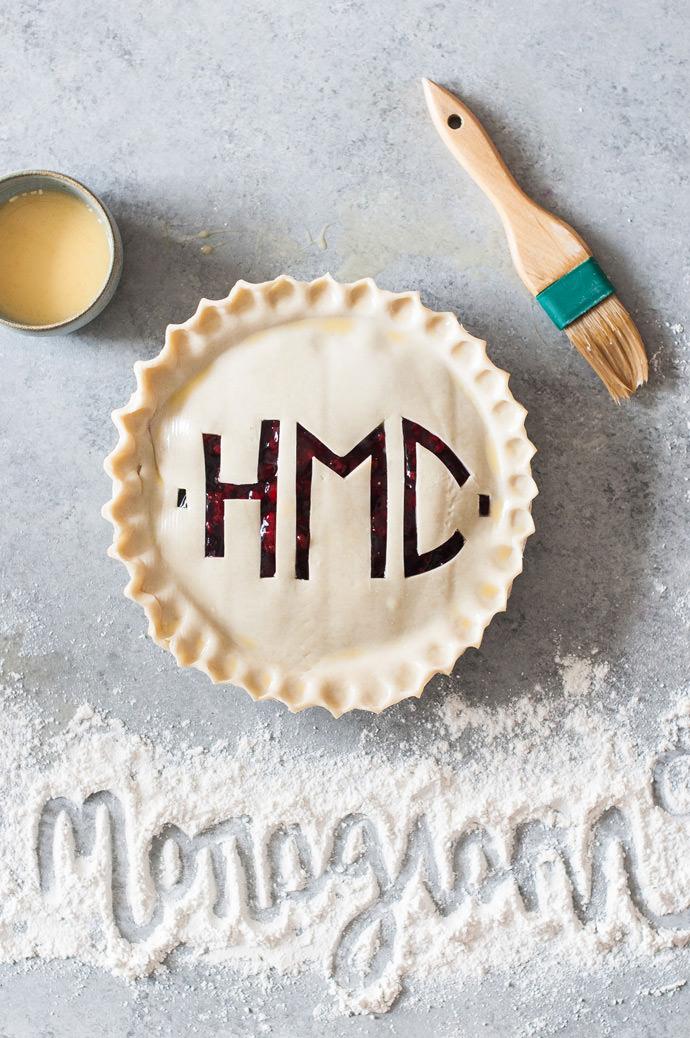 Monogrammed Pie Crust Tutorial