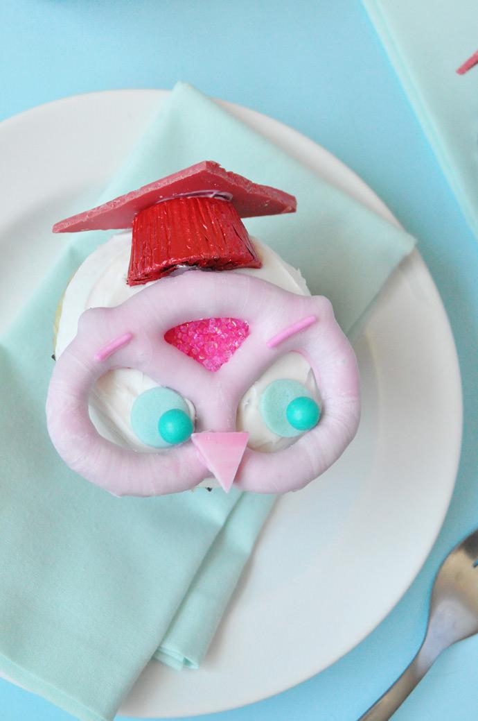 Owl Graduation Cupcakes