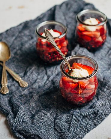 Healthy Summer Snacks: Ombre Fruit Cups