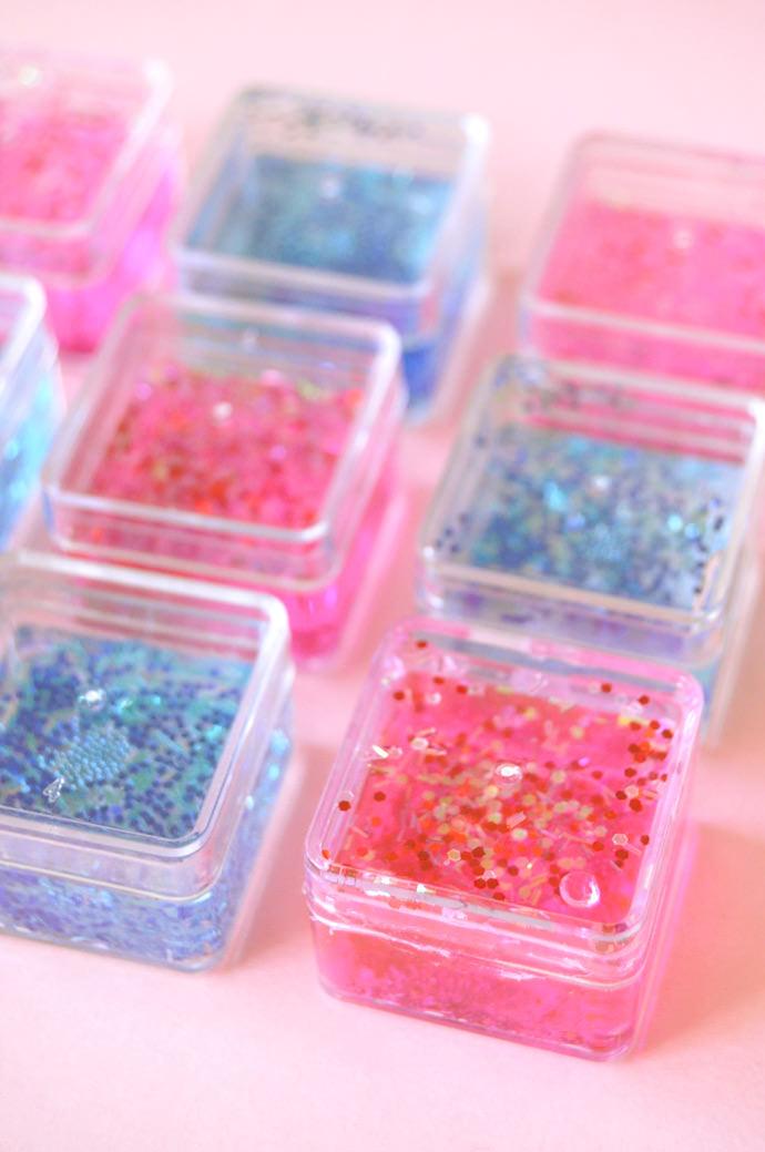 DIY Glitter Tic Tac Toe