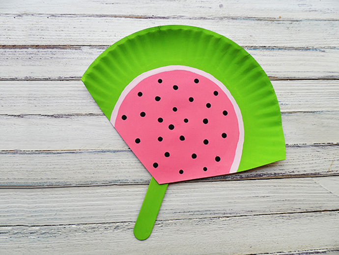 DIY Watermelon Paper Plate Fan, tutorial via Crafts by Amanda