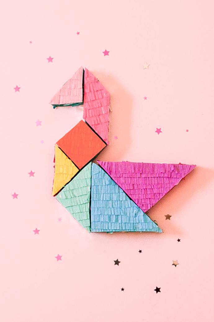 http://www.handmadecharlotte.com/wp-content/uploads/2016/11/1-tangram.jpg