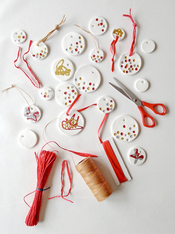 DIY Glitter Christmas Pendants