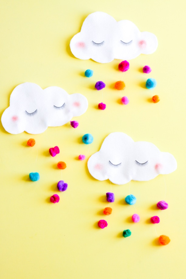 DIY St. Patrick's Day No-Sew Cloud Utensil Pockets