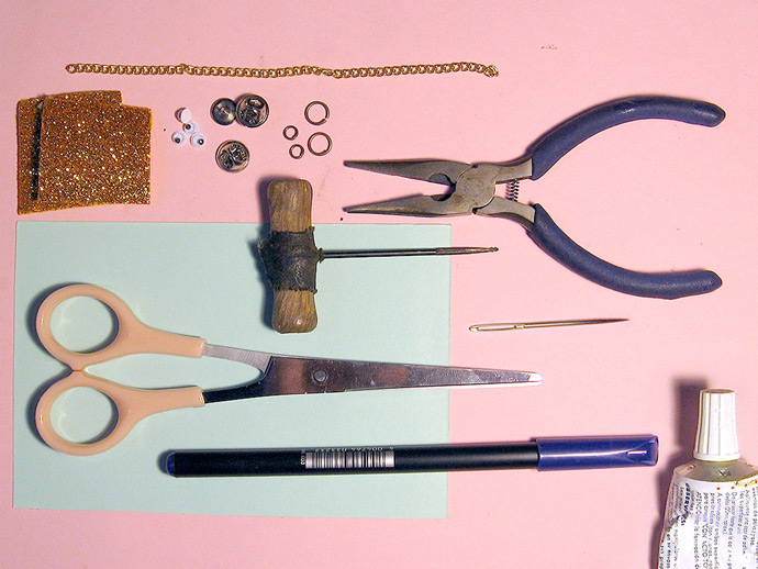 DIY Loving Hearts Collar Pin