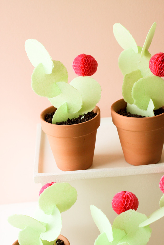 http://www.handmadecharlotte.com/wp-content/uploads/2017/04/Edible-Cactus-Treat-7.jpg