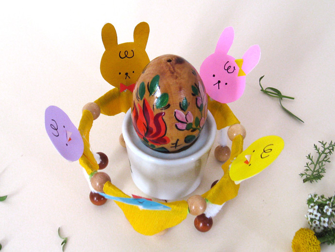 DIY Easter Dancers