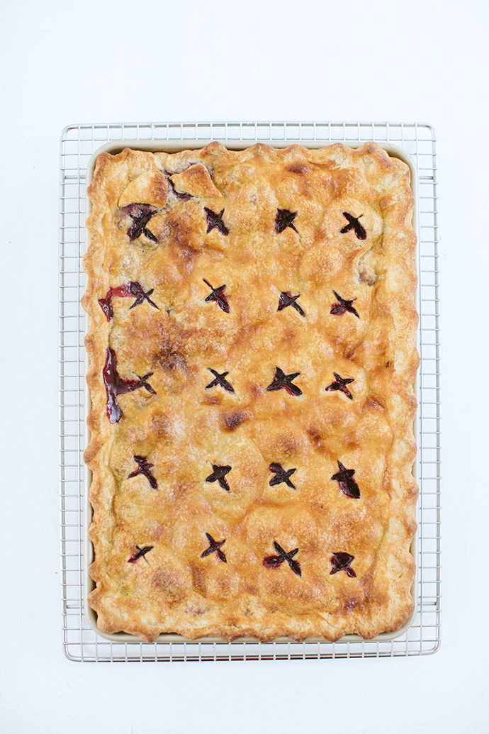 Blackberry Apple Slab Pie