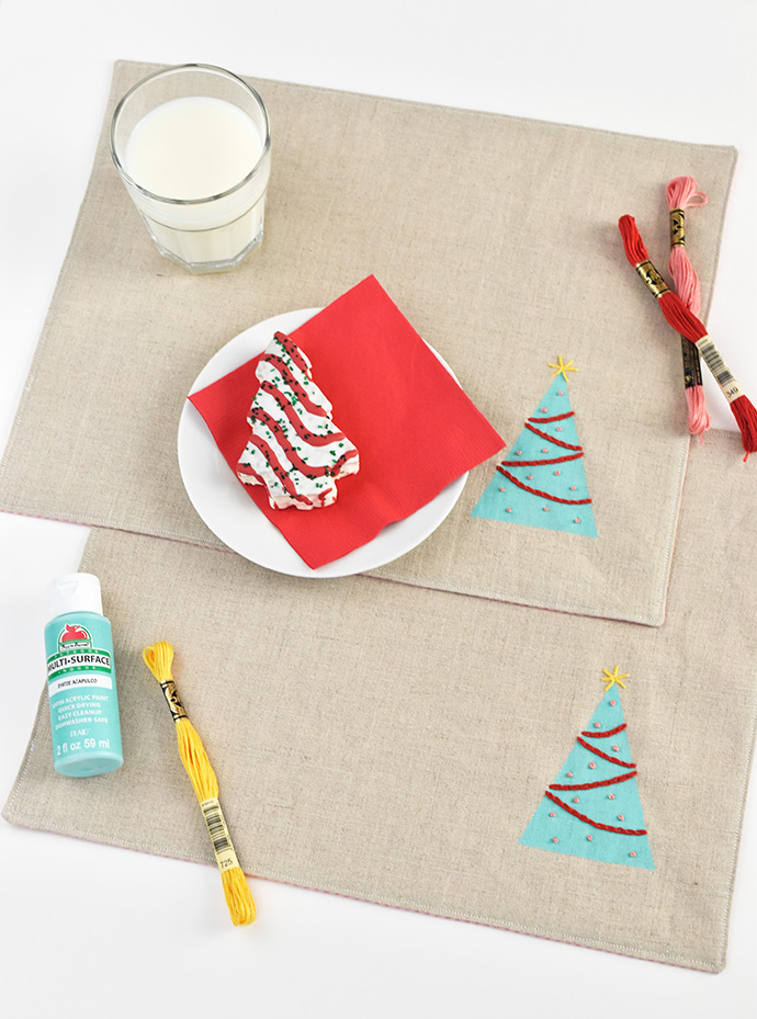Paint 'n' Stitch Christmas Tree Placemats