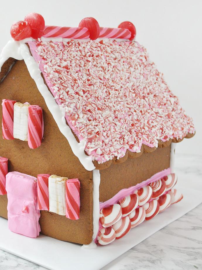 http://www.handmadecharlotte.com/wp-content/uploads/2017/12/gingerbread.done7_.690.jpg