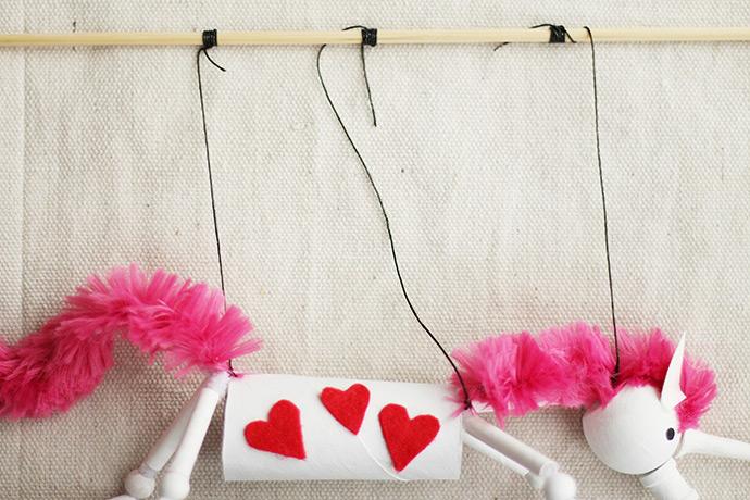 http://www.handmadecharlotte.com/wp-content/uploads/2018/01/Unicorn-tie-elastic-to-stick.690.jpg