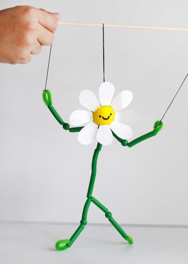 Dancing Daisy Pasta Puppet