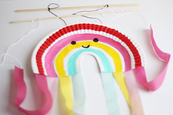 Paper Plate Rainbow Puppet