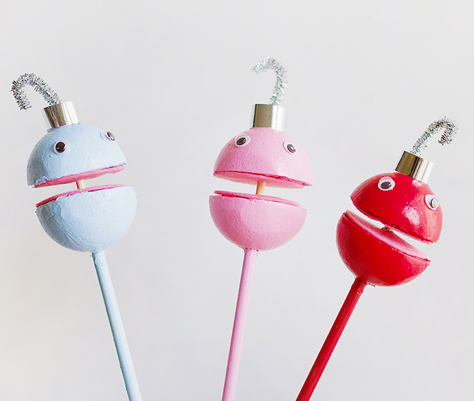 DIY Singing Ornament Puppets