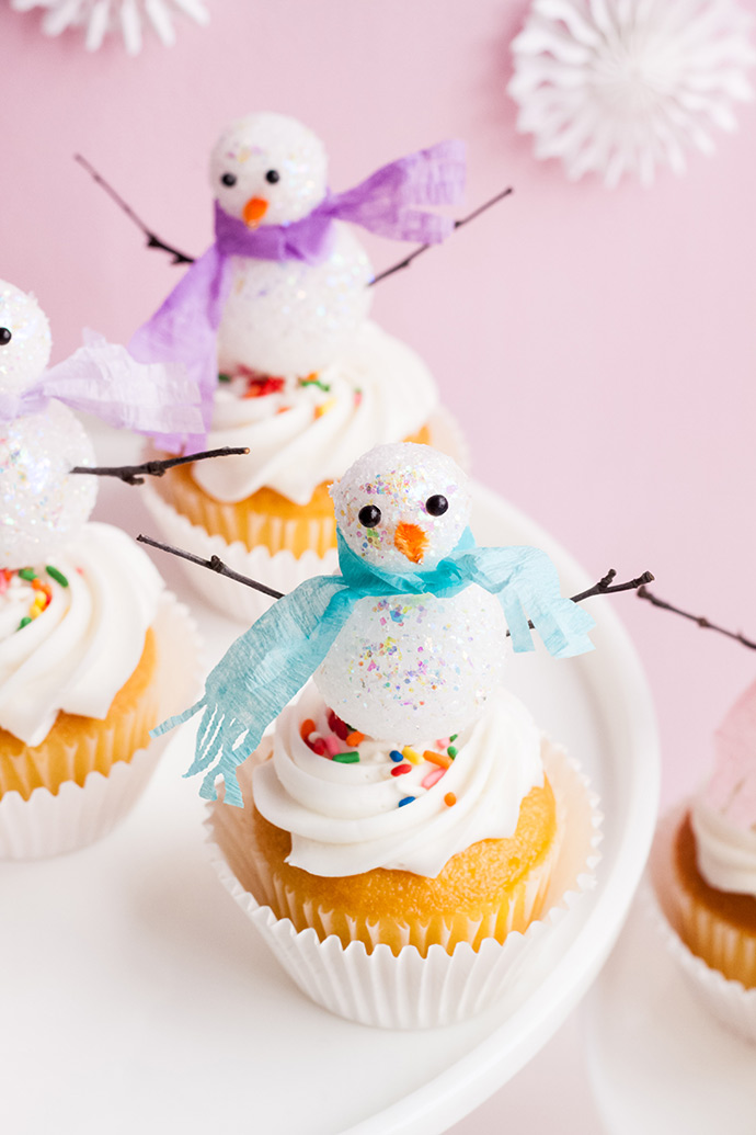 DIY Snowman Cupcake Toppers
