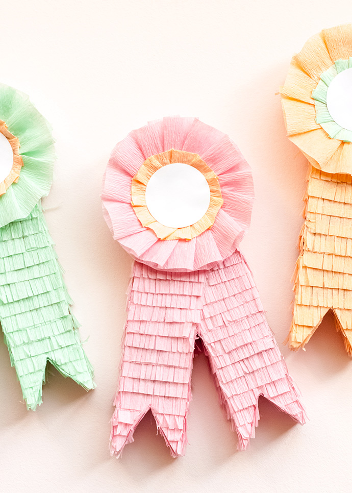 DIY Prize Ribbon Piñata