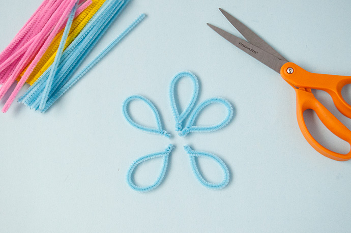 Floral Pipe Cleaner Wall Hanging