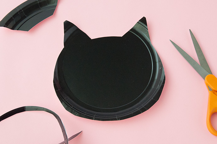 Paper Plate Black Cats
