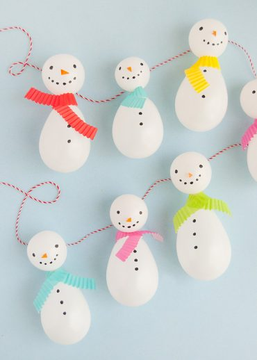 Balloon Snowman Garland