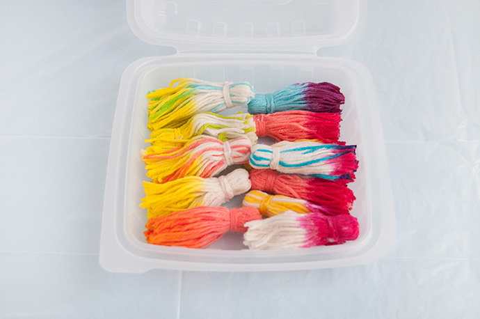 2-Minute Dye Tassel Baskets